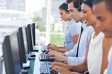 people warking in call centre
